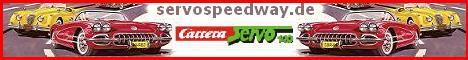 Hier findet ihr eine fast 80 Meter lange Carrera Servo 140 Autorennbahn. Viele selbstgebastelte Gebäude sowie Bilder